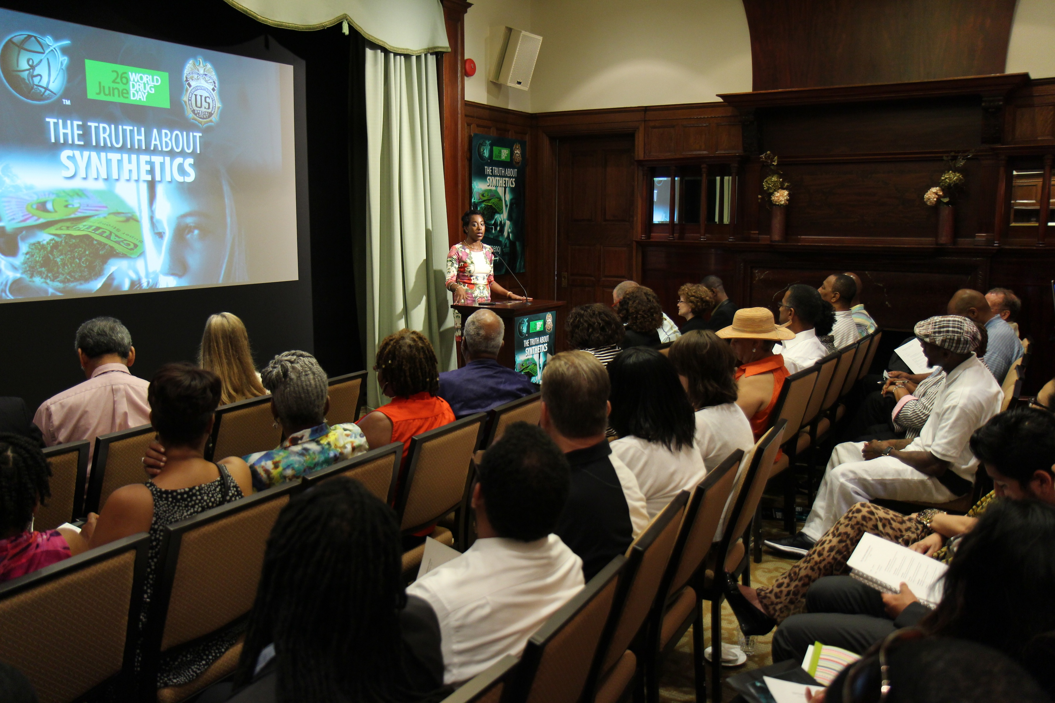 """DEA Special Agent Educates on Alarming – and Deadly – Trend in Teen Drug Use at """"Truth About Synthetics"""" Forum"""