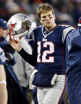 Tom Brady Suffers Knee Injury, Not Considered Serious