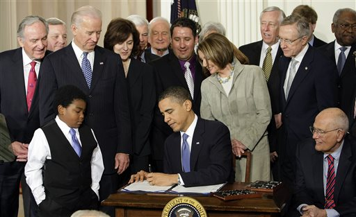 Poll: Uninsured Rate Drops as Health Law Rolls Out
