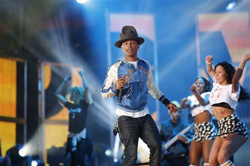 Ahead of Oscars, Pharrell Hits No. 1 with 'Happy'