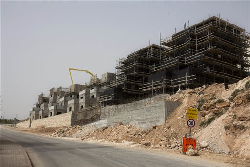Israel Tightens Grip on Heart of West Bank