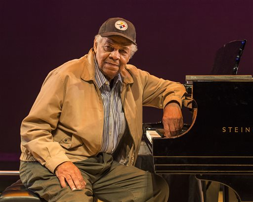 'Paul Robeson' Playwright Phillip Hayes Dean Dies