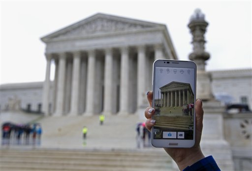 Justices Wary of Unlimited Cellphone Searches