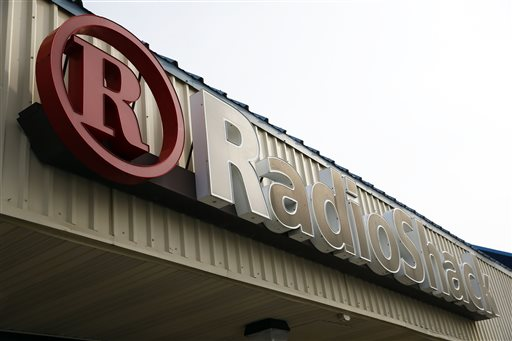 RadioShack Warns of Possible Ch. 11 Bankruptcy