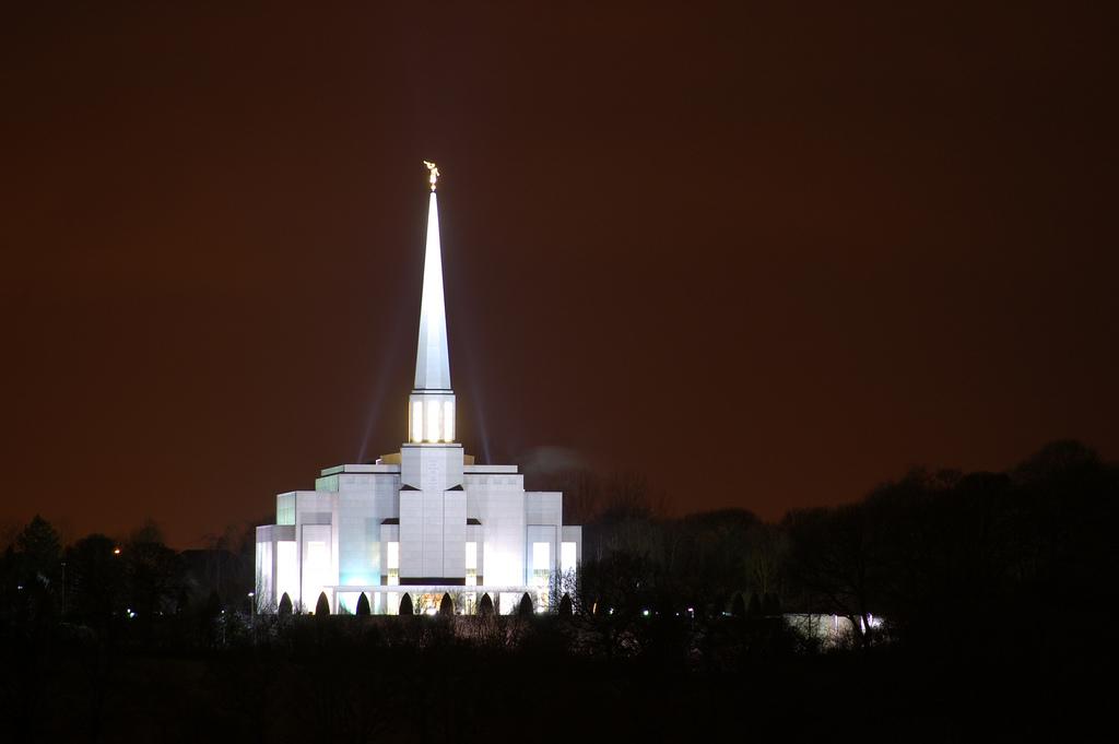 The_Church_of_Jesus_Christ_of_Latter-day_Saints_Preston_England_Temple