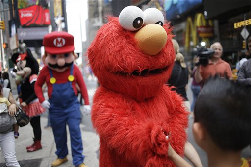 Ticket Me Elmo? NYC Mulls Law for Impersonators