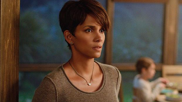 "Halle Berry on Role as Pregnant Astronaut in New Series ""Extant"""