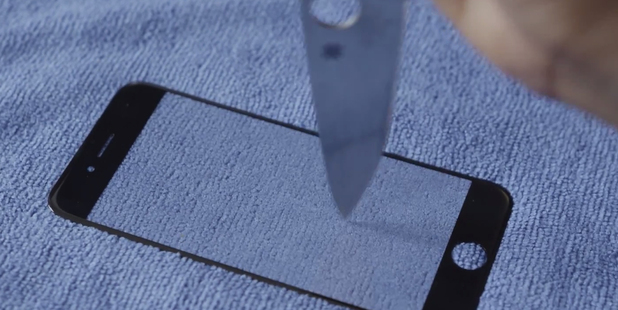 iPhone 6's 'Stab-Proof' Sapphire Display Shown Off in New Leaked Video