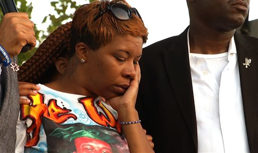 Michael Brown's Family Prepares to Lay Him to Rest