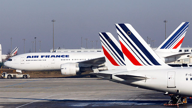 Citing Ebola, Air France Suspends Flights
