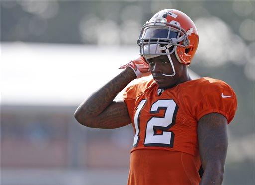 NFL Suspends Browns Star WR Gordon for 2014 Season