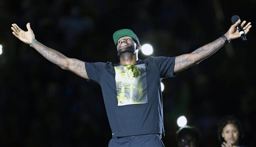 NBA Schedule Sends LeBron to Miami for Christmas