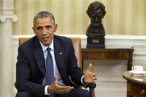Obama Fights His Last Campaign Mostly in Living Rooms, Hotel Ballrooms