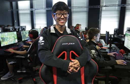 School Bets Video Game Scholarship Can Draw Talent