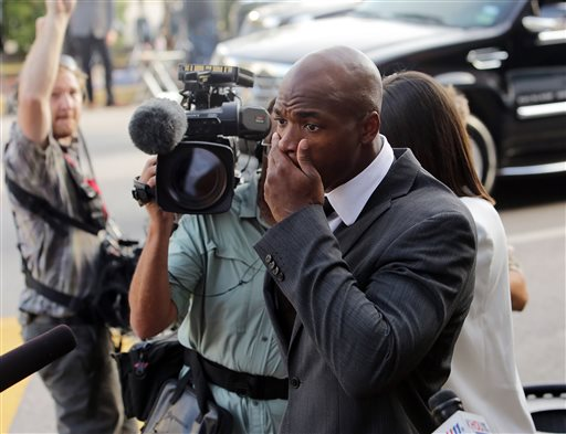 Prosecutors: Adrian Peterson Smoked Marijuana
