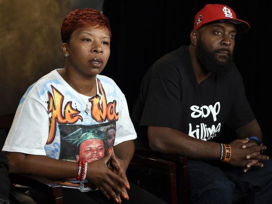 Ferguson Teen's Parents 'Praying for an Indictment'