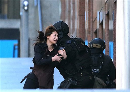 Sydney Hostage Siege Ends With Gunman and 2 Captives Dead as Police Storm Cafe