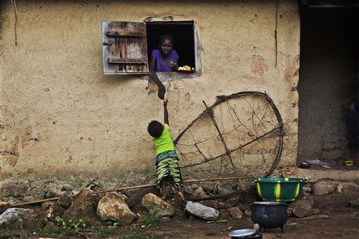 Guinea Shuts Border with Sierra Leone in Effort to End Ebola