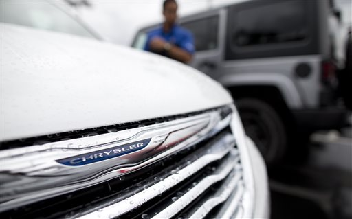 Chrysler Recalls Minivans, SUVs to Fix Ignition Switches