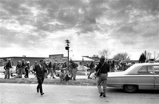 Senate Votes to Award Congressional Medal to Selma Marchers