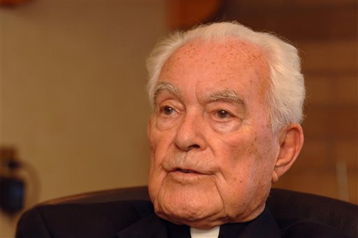 Notre Dame President Credited for Transforming School Dies