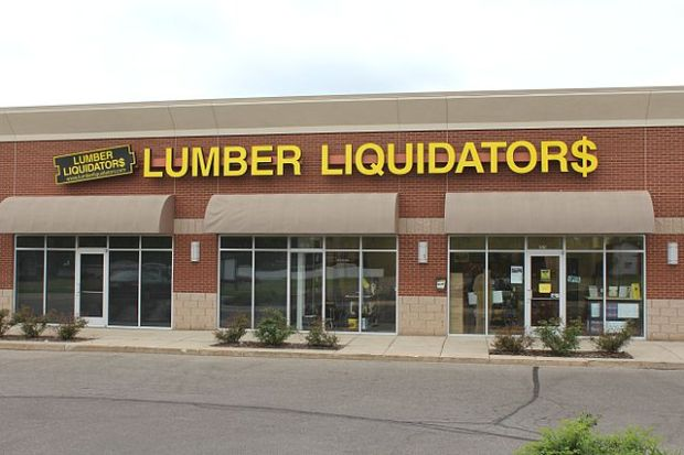 Lumber Liquidators Stands Behind Products as Stock Plunges