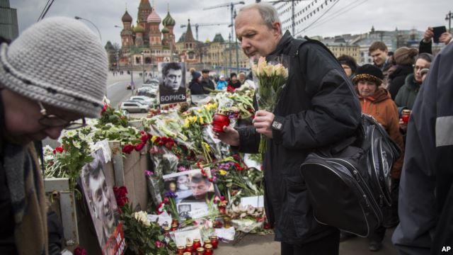 Two Detained in Nemtsov Murder Probe