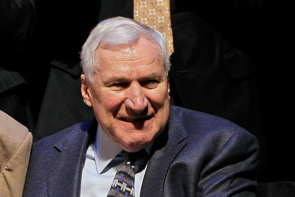 Dean Smith Left Money in His Will to Every UNC Letterman Who Played Under Him