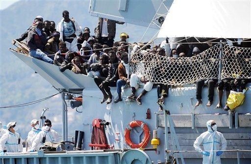 Migrant Crisis: EU Asks States to Accept 40,000 Asylum Seekers