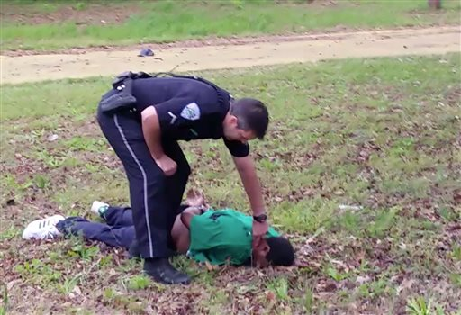 Video of Walter Scott Shooting Reignites Debate on Police Tactics