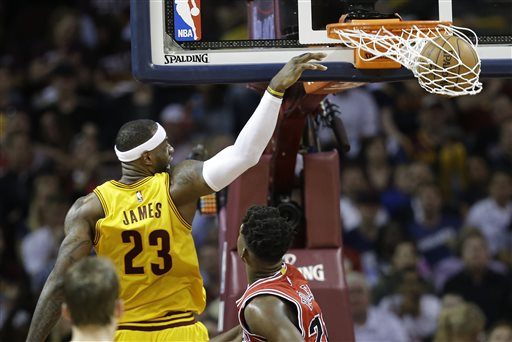 LeBron's 33 Lead Cavaliers Past Bulls 106-91 in Game 2