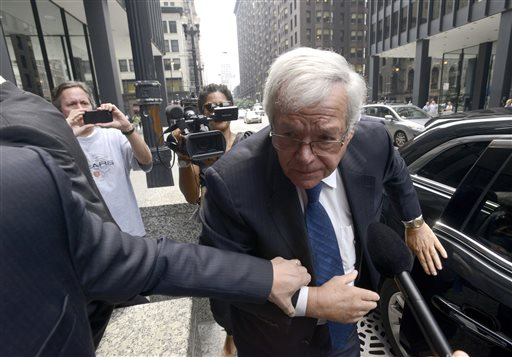 Hastert Enters Not Guilty Plea During 1st Court Appearance
