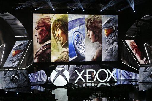 Microsoft Touts HoloLens, Backward Compatibility of Xbox One