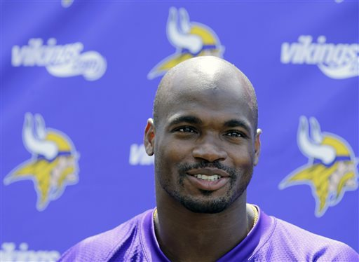 Peterson, Vikings Agree to Redo Last 3 Years of Deal