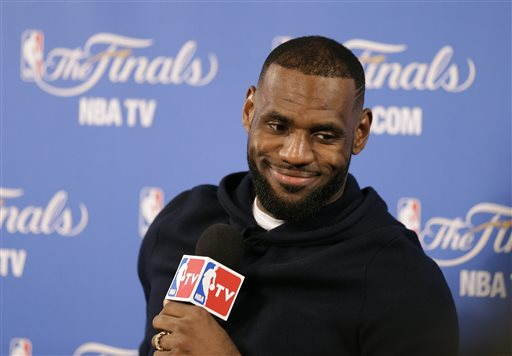 LeBron Signs 2-Year Contract with Cavaliers