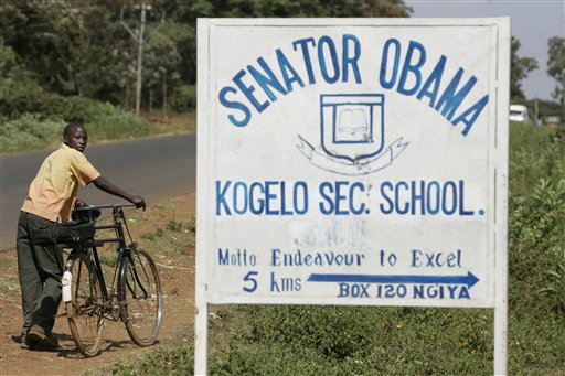 Obama Faces Political Minefield During Kenyan 'Homecoming'