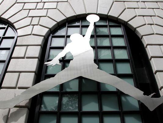 Error Jordan: Key Figures Still Argue Over Who Was Responsible for Nike Deal
