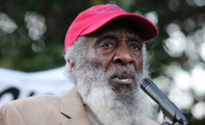 Dick Gregory, Civil rights activist and Innovative Comedian, Dies at 84