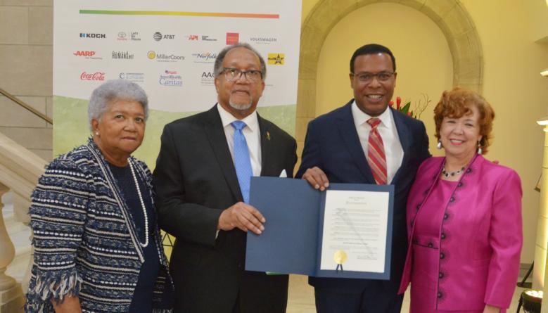 """Norfolk's First Black Mayor Kenneth Alexander Declares """"Black Press of America Week"""""""