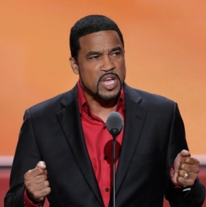 "Ohio Pastor Darrell Scott Calls Trump ""Most Pro-Black President…in Our Lifetime"""
