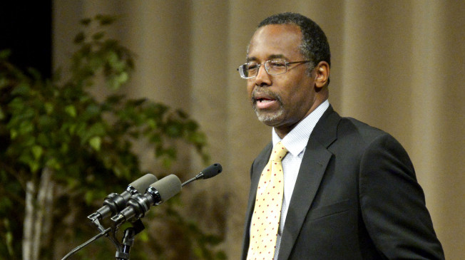 Pediatric neurosurgeon and best-selling author Dr. Ben Carson speaks during a meeting of The Economic Club of Southwestern Michigan Tuesday, November 19, 2013, at Lake Michigan College's Mendel Center in Benton Harbor, Mich. (AP Photo/The Herald-Palladium, Jody Warner)
