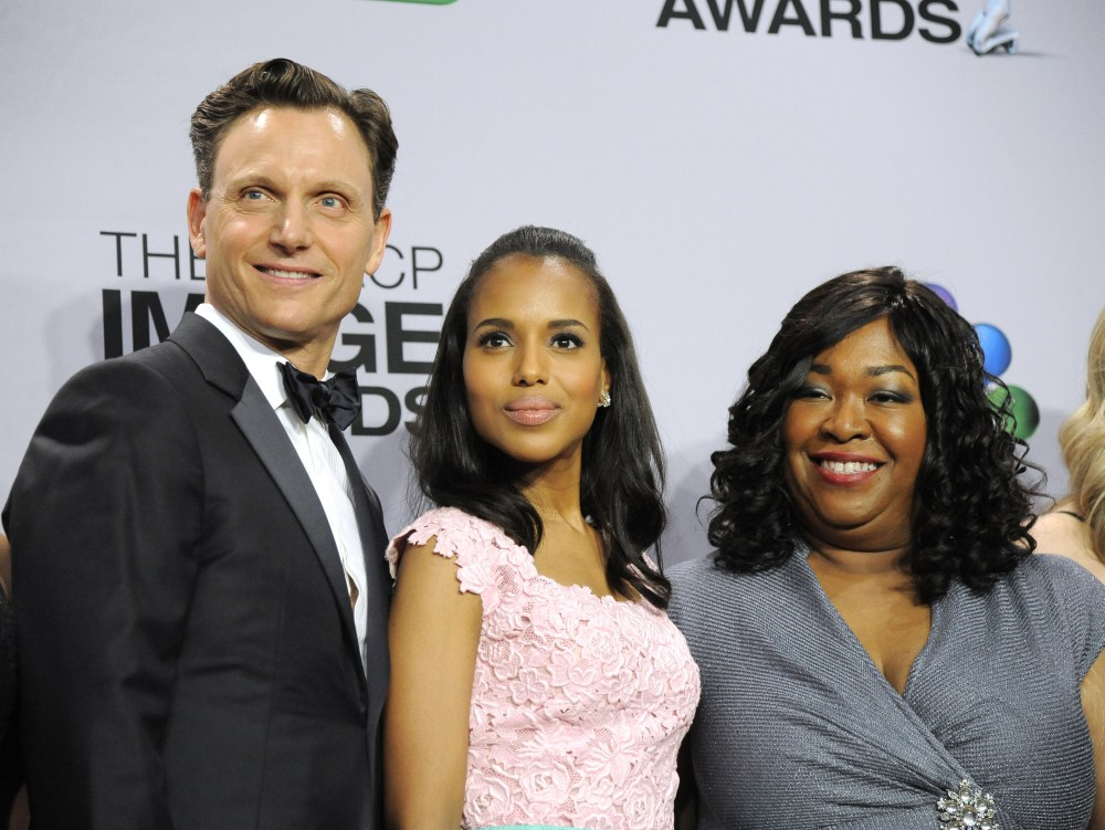 """FILE - This Feb. 1, 2013 file photo shows, from left, actors Tony Goldwyn,  and Kerry Washington from the ABC series """"Scandal,"""" with series creator Shonda Rhimes at the 44th Annual NAACP Image Awards in Los Angeles. The series is one of three by Shonda Rhimes that will air on Thursdays. (Photo by Chris Pizzello/Invision/AP, FIle)"""