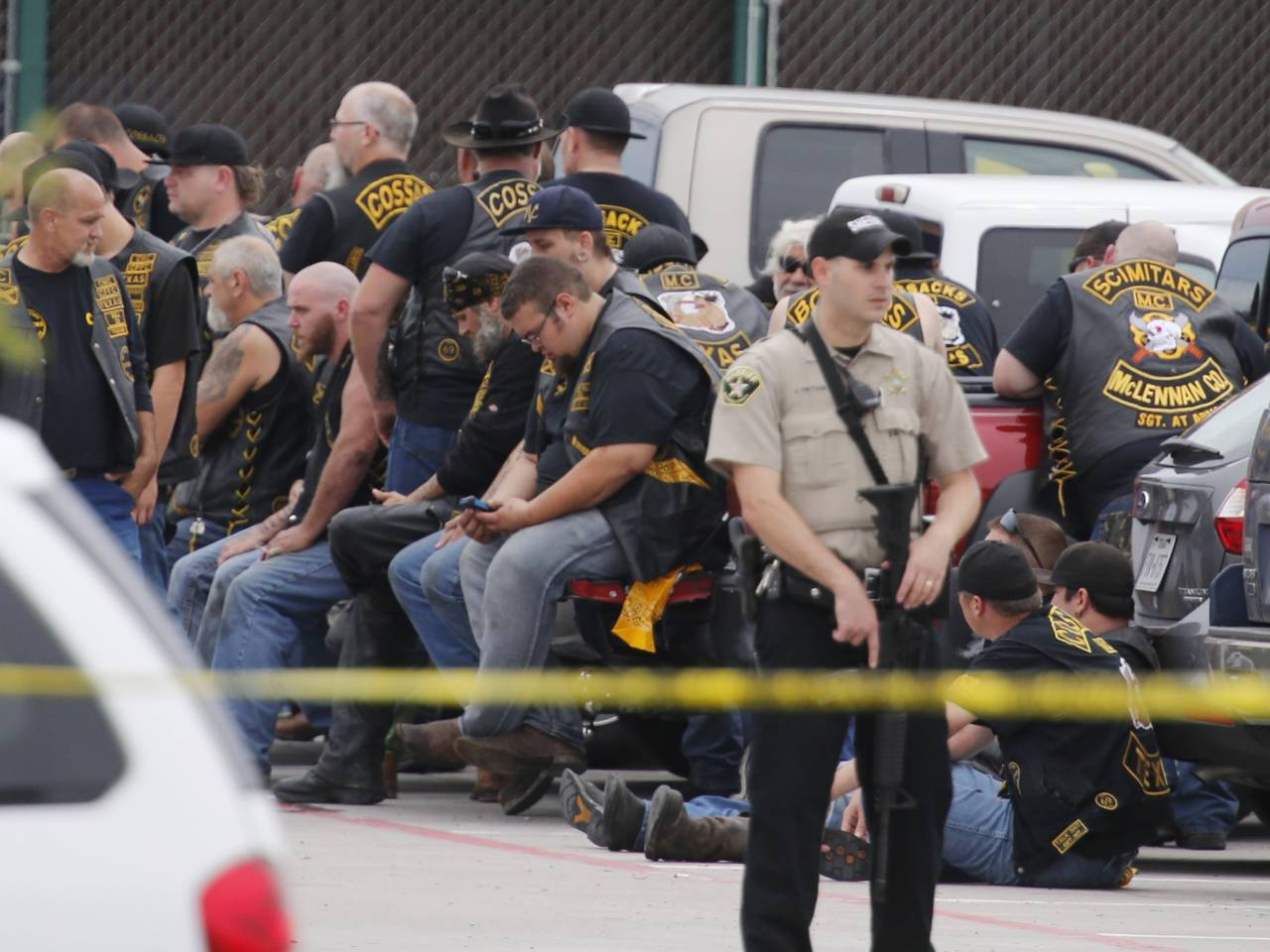 aptopix-waco-shooting.jpeg-1280×960