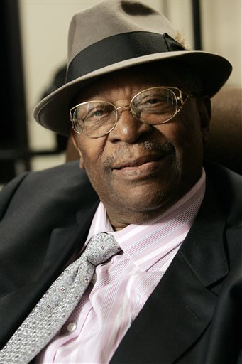 In this photo taken on Wednesday, Aug. 27, 2008, Blues legend B.B. King pauses during an interview in Los Angeles. King, whose scorching guitar licks and heartfelt vocals made him the idol of generations of musicians and fans while earning him the nickname King of the Blues, died late Thursday, May 14, 2015, at home in Las Vegas. He as 89.  (AP Photo/Reed Saxon)