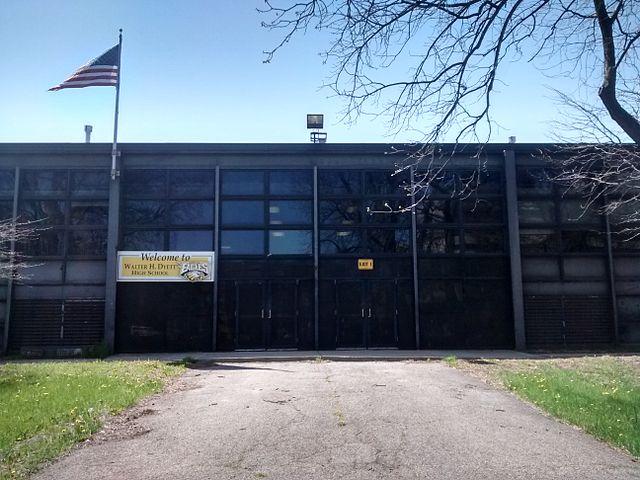 Dyett High School in Chicago, May 2015. (Mr. Granger/CC0 1.0)