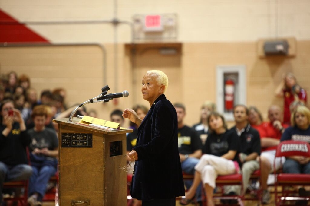 HistoryMaker Nikki Giovanni poses for photos with students as part of Back to School Day. (Courtesy The HistoryMakers)
