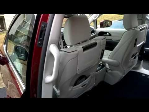 2017 Chrysler Pacifica Stow N Go Seats