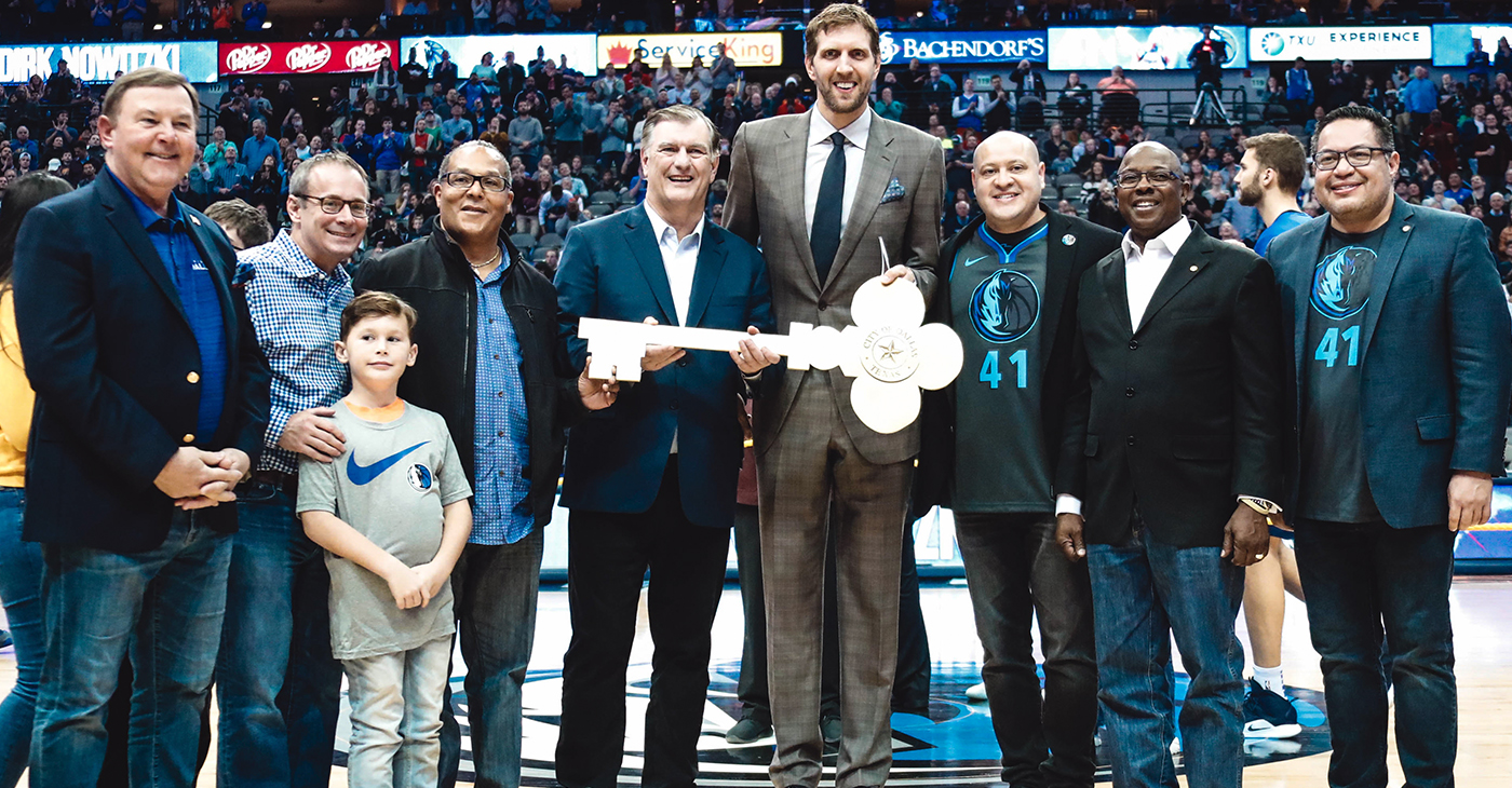 Dirk Nowitzki with Dallas City Council members