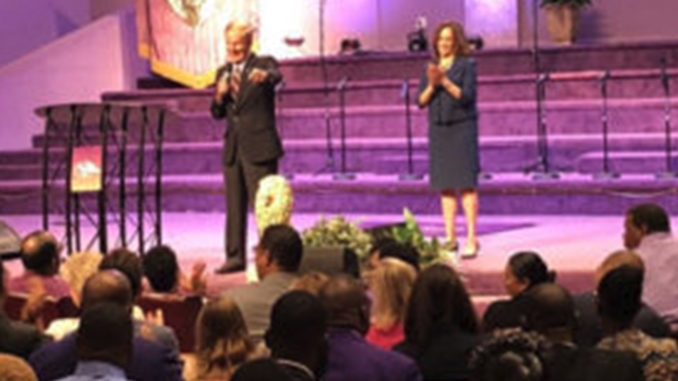 Sen. Nelson and Harris tour churches in Miami.