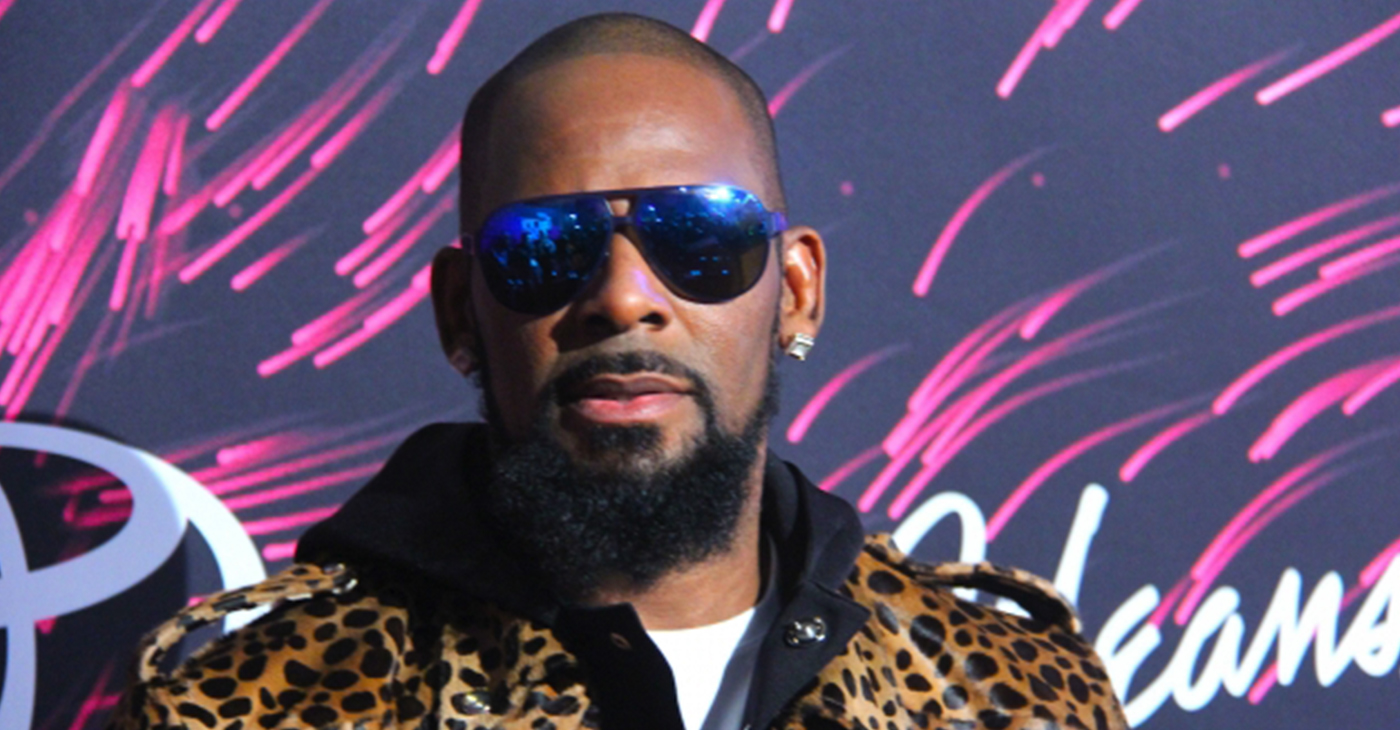 R. Kelly at 2015 Soul Train Awards. (Photo credit: A.R. Shaw for Steed Media)